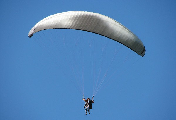 Paragliding; by SNappa2006 | Flickr